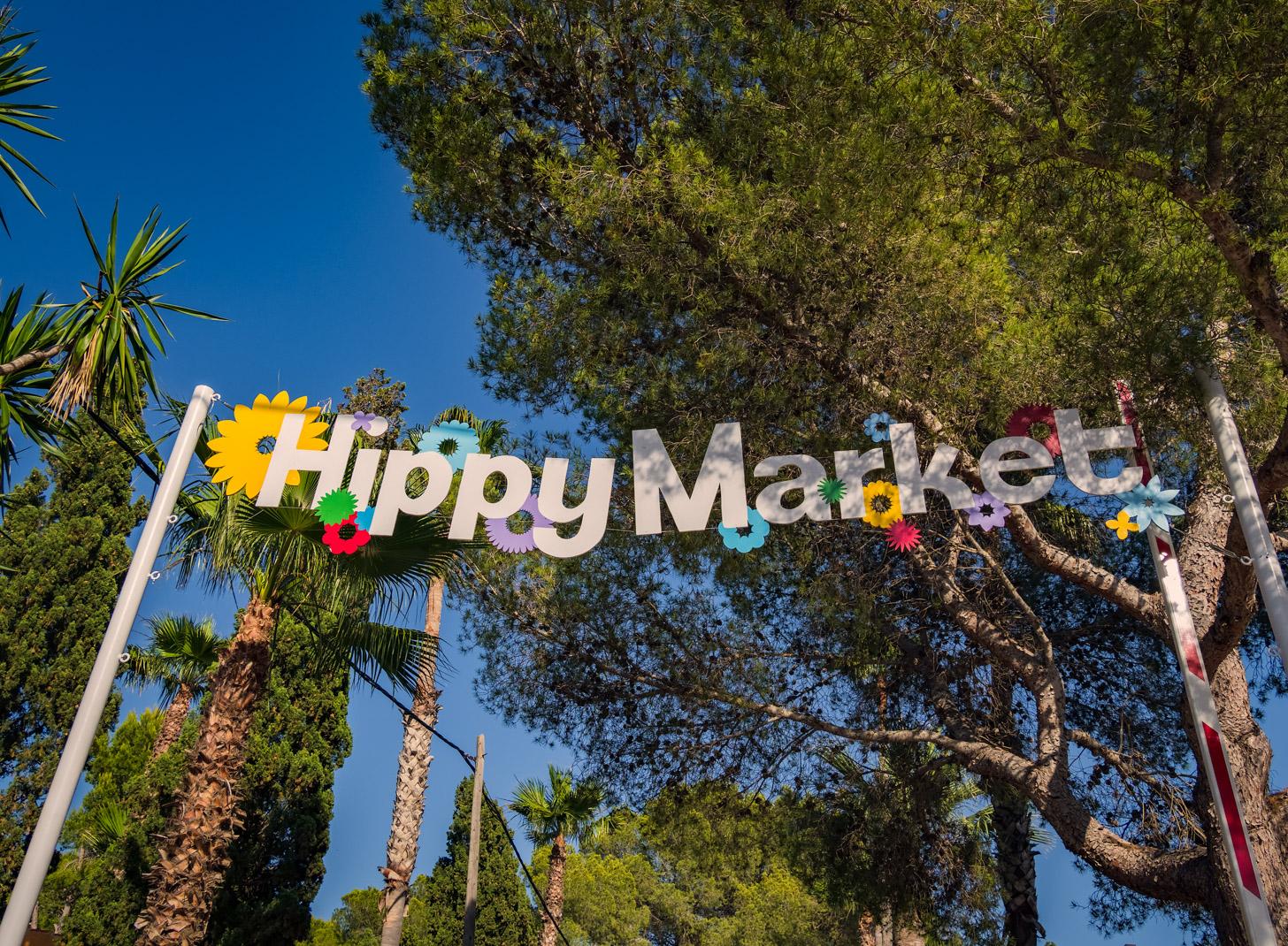 Op Ibiza zijn twee grote hippiemarkten: Las Dalias en Punta Arabi